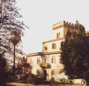 Villa Fabbricotti, by Ilaria Camprincoli, licensed under Creative Commons https://it.m.wikipedia.org/wiki/Villa_Fabbricotti_(Firenze)#/media/File:Villa_Fabbricotti_Firenze.jpg